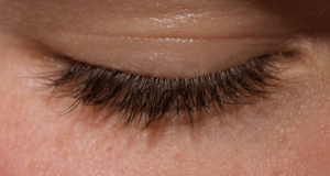 Single Closed Eyes Using Russian Volume Lashes